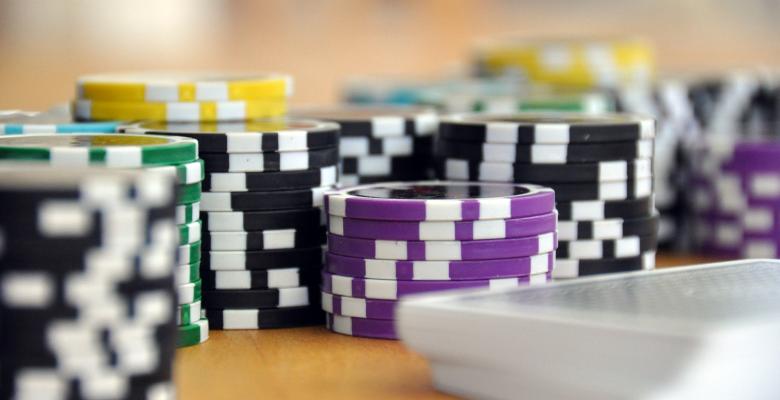 今最も人気のある6つのスロットゲーム ラウンダーズ - これまでで最も有名なギャンブルの映画のうち5本
